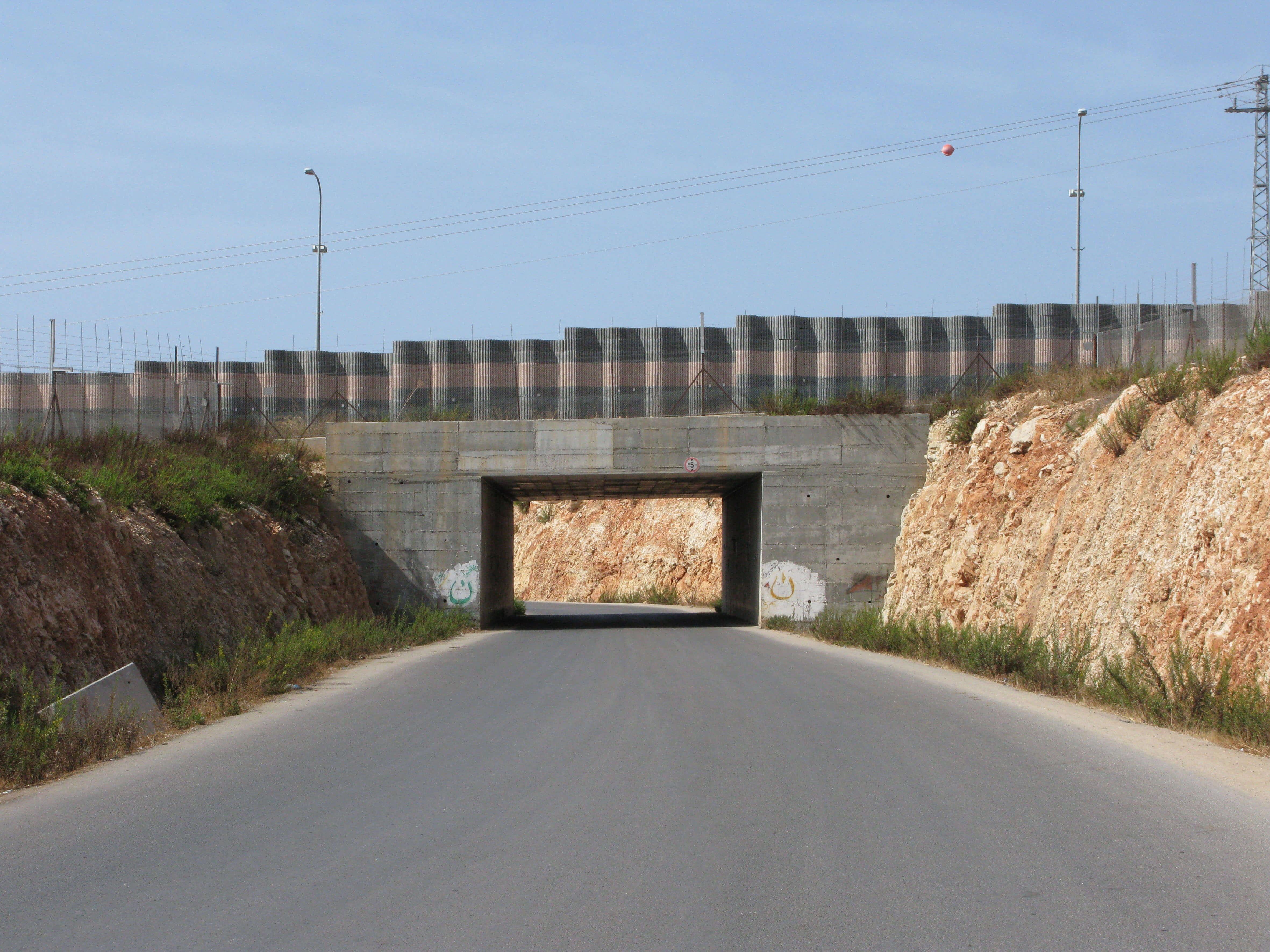 1 Tunnel 30x40